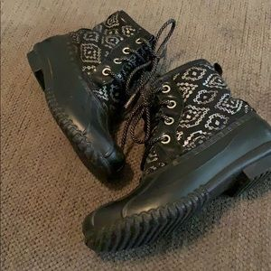 Justice Girls Black & Silver Duck Boots size 1